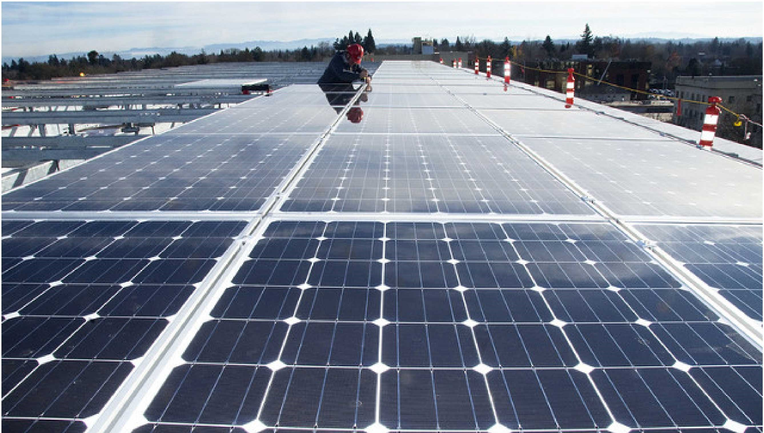 <h3>STREAMLINE SOLAR DEVELOPMENT</h3><p><h5>Cities and towns can streamline solar development by eliminating red tape and adopting requirements for new construction.</h5><em>Oregon Department of Transportation via Flickr CC BY 2.0</em>