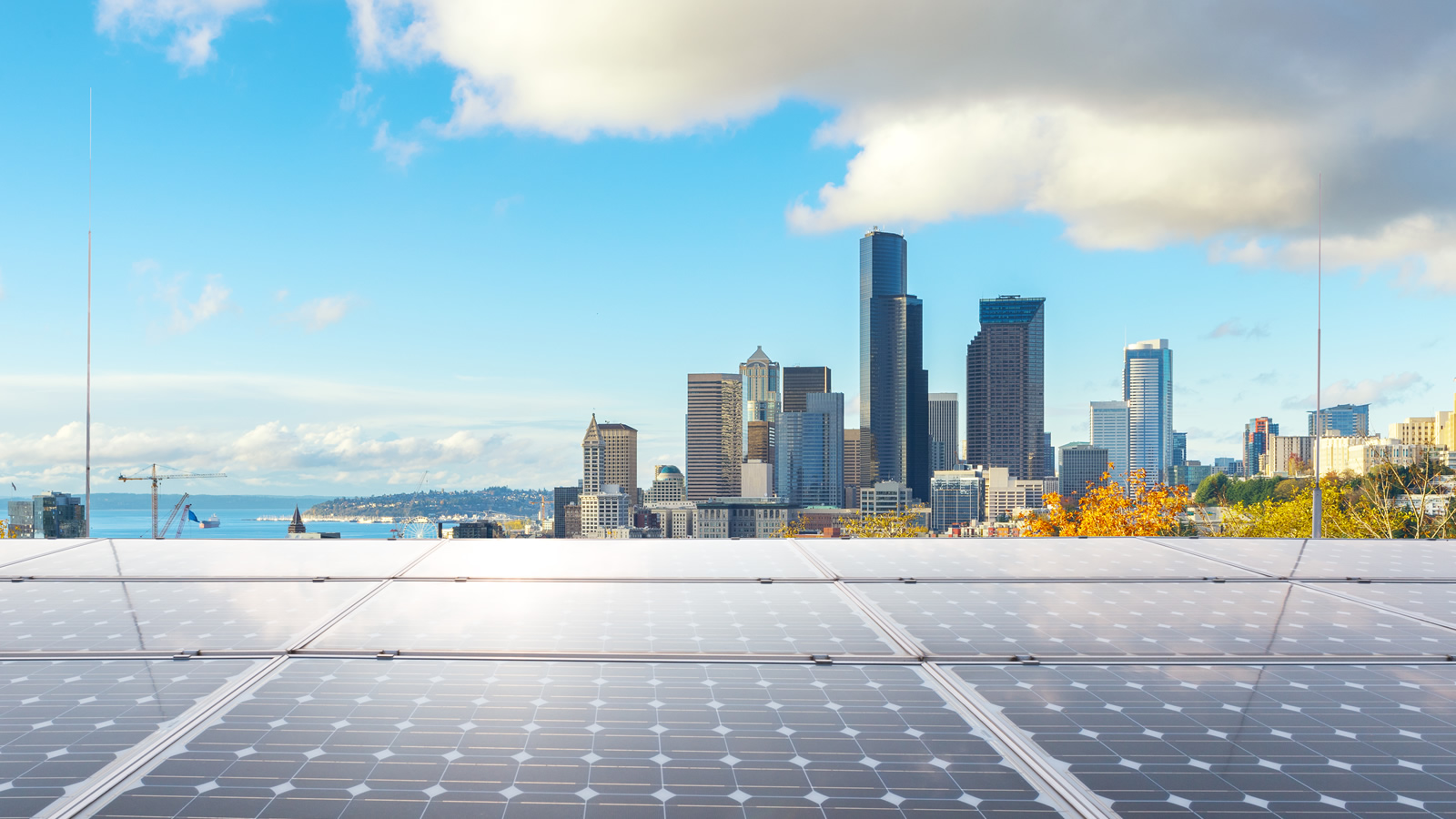 <h3>LEAD THE WAY</h3><p><h5>Communities can go big on solar by leading the way with bold goals and installations on public buildings.</h5>